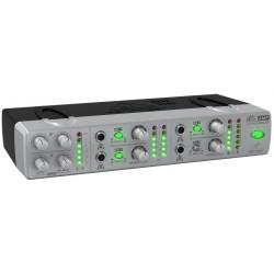 4-канален усилвател за слушалки:Behringer AMP800